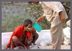Helping-Others-Poverty-India